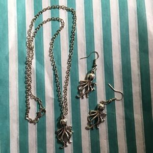 Jewelry - Octopus 🐙 earring & necklace set, silver alloy